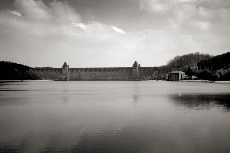 The Mohne Dam. Image available from Simon Westwood of Fly-by-Light Photography.