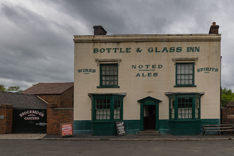 Bottle & Glass Inn. Image available from Simon Westwood of Fly-by-Light Photography.