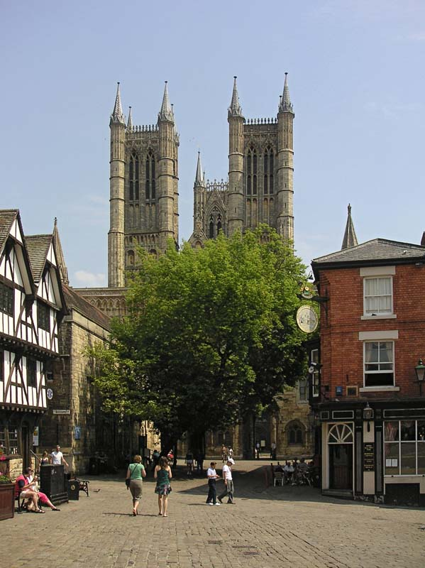 Street leading to Lincoln Cathedral. Image available from Simon Westwood of Fly-by-Light Photography.
